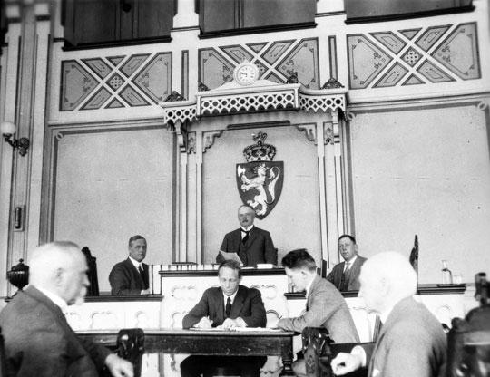 Åpningen av riksretten i 1927.
