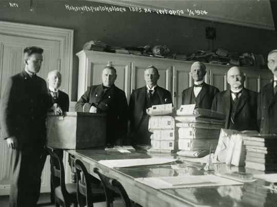 Riksrettsprotokollene bble åpnet i 1924.