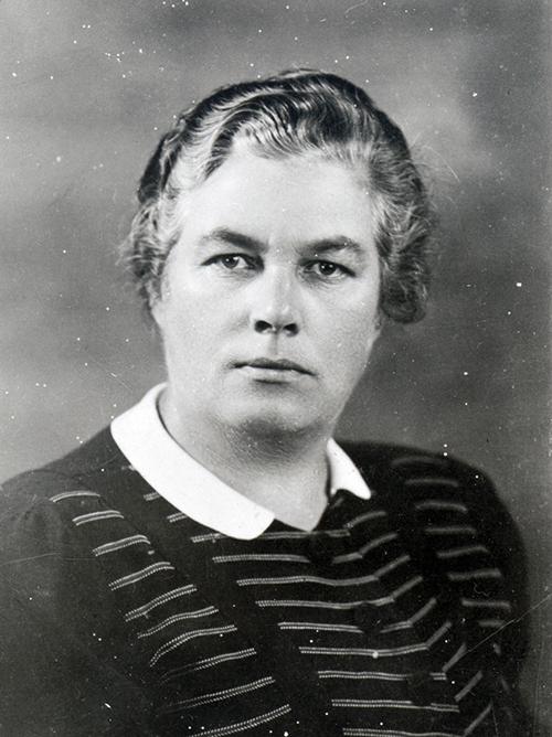 2c243dd9 Claudia Olsen. Representanten Claudia Olsen ble i 1945 første kvinnelige ...