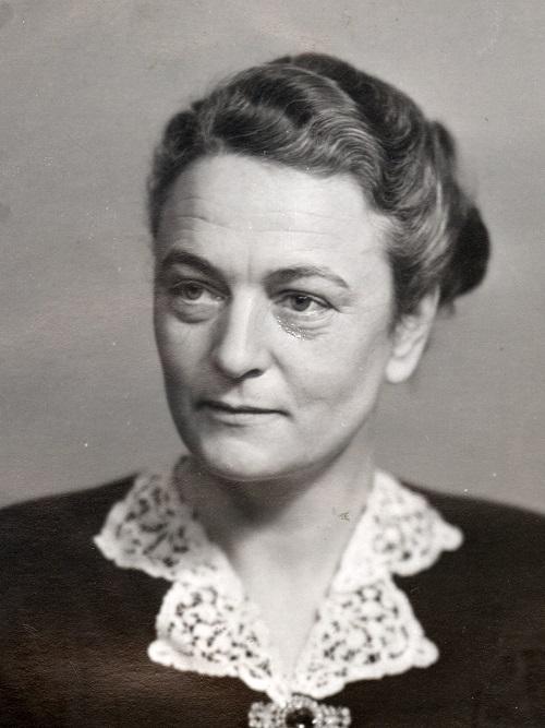 7b76c88a Kirsten Hansteen. I 1945 ble den første kvinnelige ...