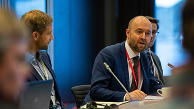 Eirik Sivertsen (Labour Party), head of the Storting's Delegation for Arctic Parliamentary Cooperation, pictured here at a meeting in 2019. Photo: Storting