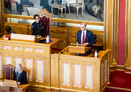 Jonas Gahr Støre (Labour Party) speaking during the Corona Bill debate on Saturday 21st March. Mr Støre was the committee spokesperson on this issue. Photo: Storting.