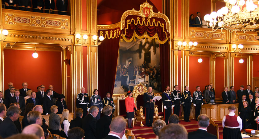 His Majesty King Harald V reads the Speech from the Throne during the State Opening of the 160th Storting on 2 October 2015. Photo: Storting